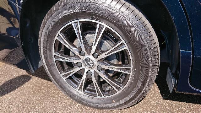 タイヤワックスでタイヤのひび割れは迷信?理由を知れば怖くないタイヤワックスの選び方!